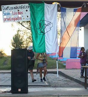 20150306024049-banderas.jpg